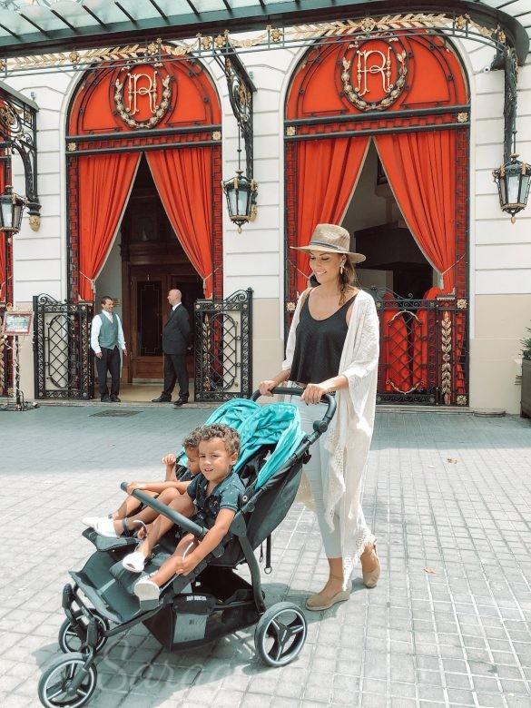 Carro Gemelar Baby Monsters Easy Twin en el Hotel Palace de Barcelona