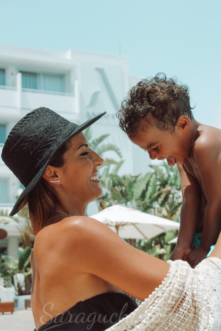 Piscina del Hotel Anfora Ibiza de día