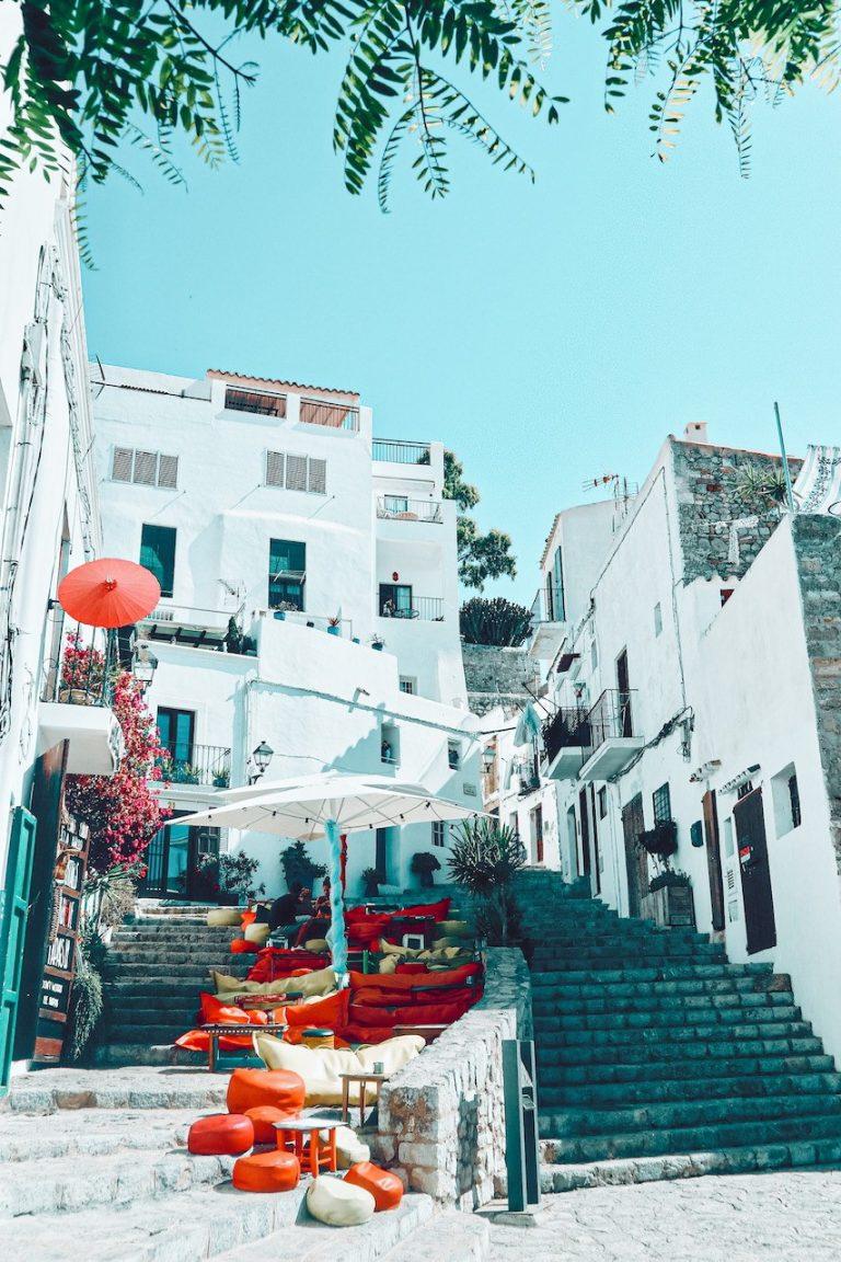 S'Escalinata en el carrer Portal Nou de Ibiza