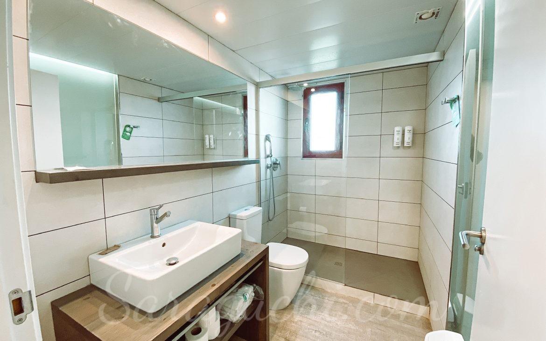 Baño apartamentos La Mediterránea del Cambrils Family Park Resort