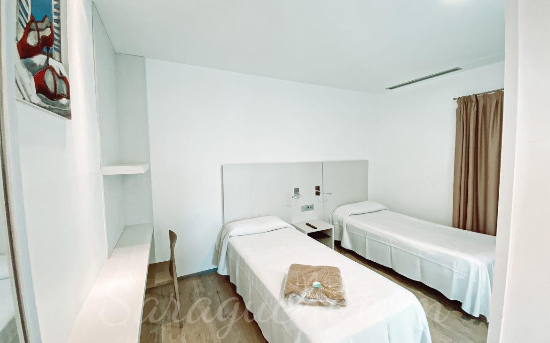 Habitación doble de los apartamentos La Mediterránea del Cambrils Family Park Resort