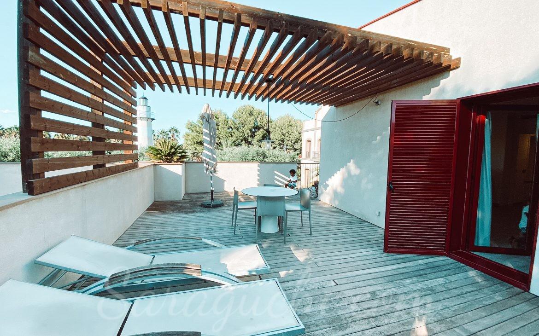 Terraza de los apartamentos La Mediterránea del Cambrils Family Park Resort