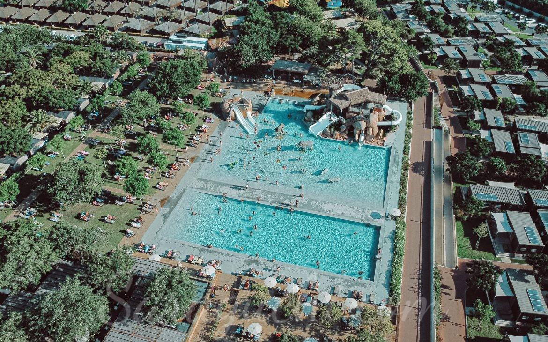 Vista aérea de la Africa Pool del Camping & Resort Sangulí Salou