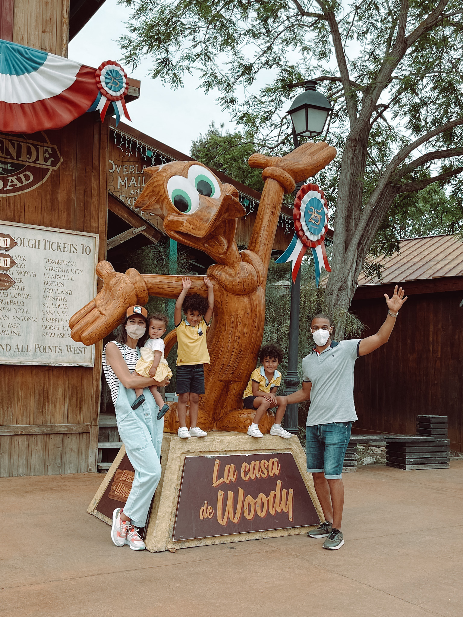 Figura de la casa de Woody en el Far West de PortAventura